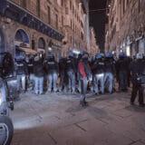 firenze-manifestazione-guerriglia-urbana-ottobre-2020-covid-19-violenza-polizia-carabinieri-realizzazione-servizi-fotografici-book-fotografici-prato-fotografia-ritratto-lorenzo-marzano-emme07
