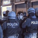 firenze-manifestazione-guerriglia-urbana-ottobre-2020-covid-19-violenza-polizia-carabinieri-realizzazione-servizi-fotografici-book-fotografici-prato-fotografia-ritratto-lorenzo-marzano-emme09