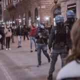 firenze-manifestazione-guerriglia-urbana-ottobre-2020-covid-19-violenza-polizia-carabinieri-realizzazione-servizi-fotografici-book-fotografici-prato-fotografia-ritratto-lorenzo-marzano-emme46